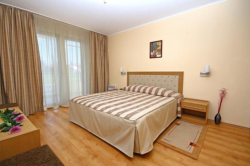 Martinez Apartment Complex Hotel, Sozopol
